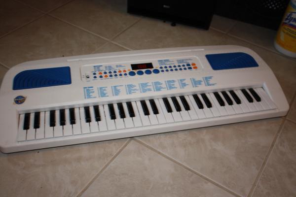 discovery kids electronic piano keyboard